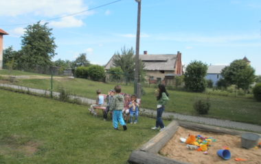školní rok 2011 - 2012 - dětský den 2012 42 380x240