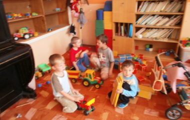 školní rok 2011 - 2012 - dětský den 2012 8 380x240