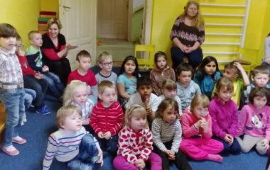 školní rok 2016 - 2017 - divadlo 23 380x240