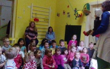 školní rok 2016 - 2017 - divadlo 4 380x240